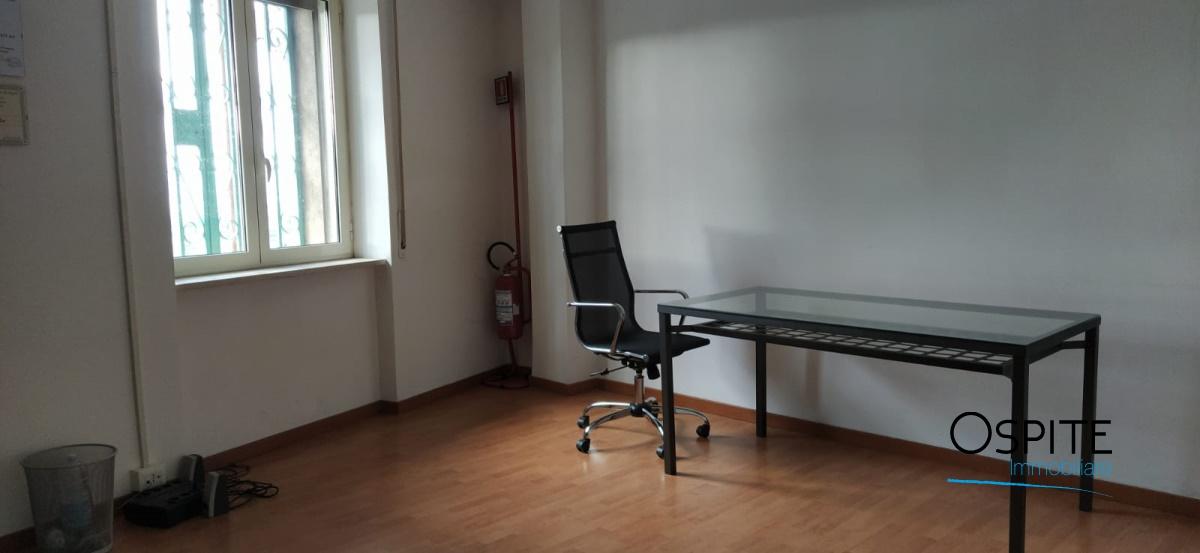 Affitto Uffici, Laboratori e Negozi Napoli - FITTASI ...