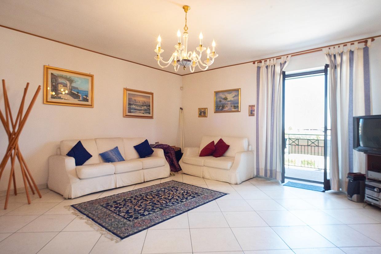 Appartamento in vendita a Giugliano in Campania, 4 locali, prezzo € 210.000   CambioCasa.it